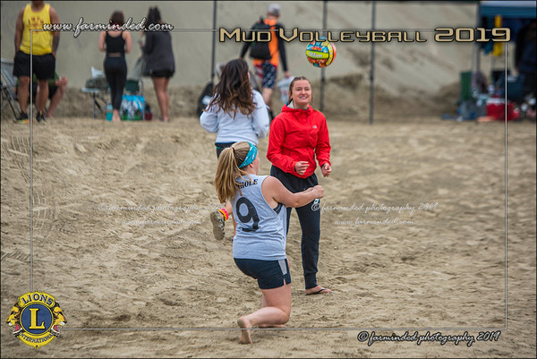 D75_4672-12x18-06_2019-Mud Volleyball-W