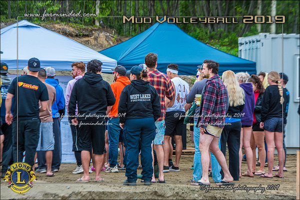D75_4620-12x18-06_2019-Mud Volleyball-W