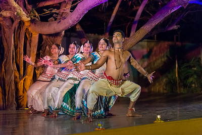 Smt Madhulita Mahapatra and disciples. Nrityantar from Bengaluru.  Mumbai Odissi Utsav, Day 1 - 17th Feb 2018.
