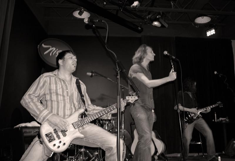 Zeppephilia 2010 1021 Nissis Band 14 bw