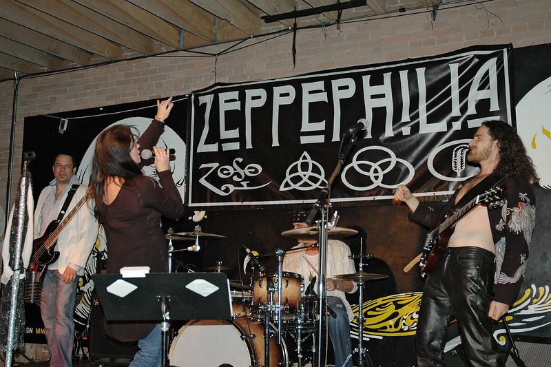 Zeppephilia 2013 10 Dnote 17