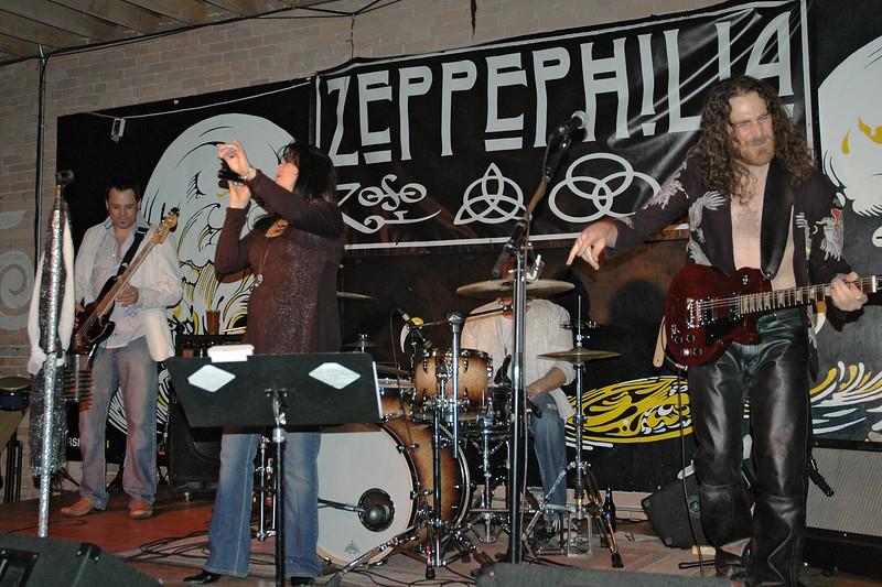 Zeppephilia 2013 10 Dnote 15