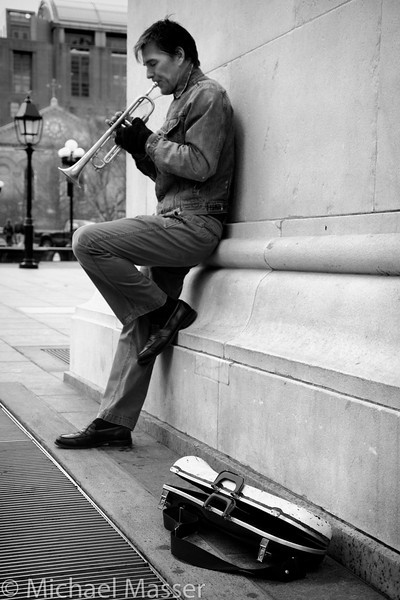 Trumpeter-and-Case-under-the-Washington-Square-Arch-Black-and-White-Angle