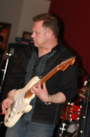 Guitar sings Screamin Eagles Band copyrt 2014 m burgess