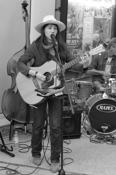 Acoustic Pieces feat. Mimi Grimm