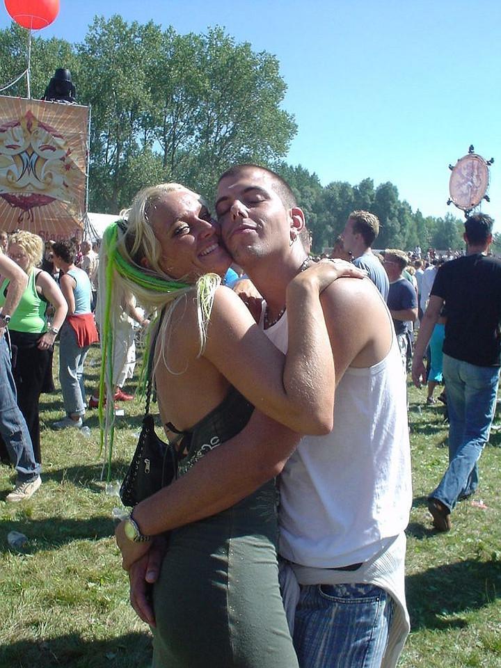 Violet and Niels (L)