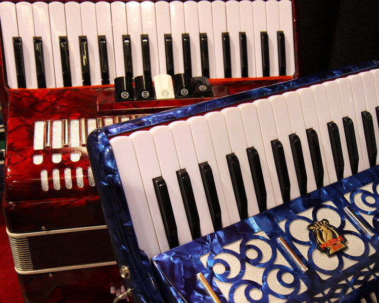 What's a music trade show without accordions? (Aaaahhhh!)