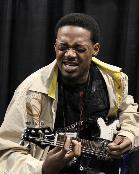 Eric Gales at Premier Builders Guild booth.