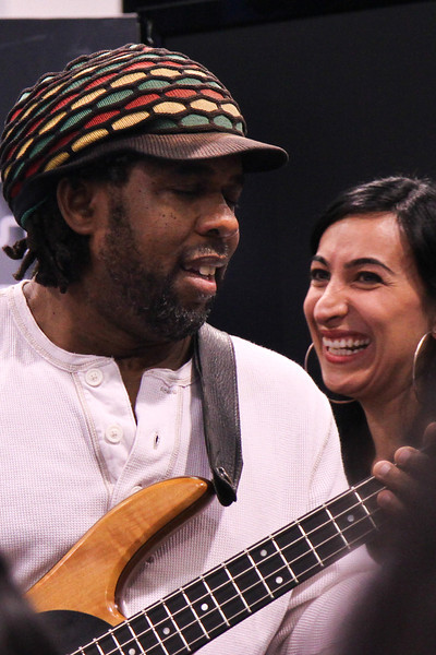 Victor Wooten and Marcela Pinilla, Hartke booth