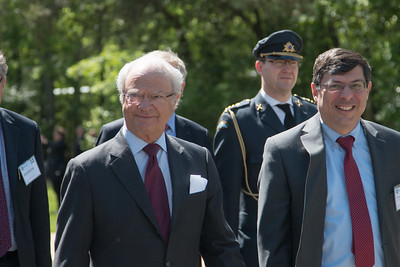 The King shown with Goddard Center DIrector Chris Scolese at right. -- King Carl XVI Gustaf of Sweden visited NASA/Goddard on May 3, 2017.  These photos show his short walking procession from viewing the Hyperwall in Building 28 to the clean room facility in Building 29.