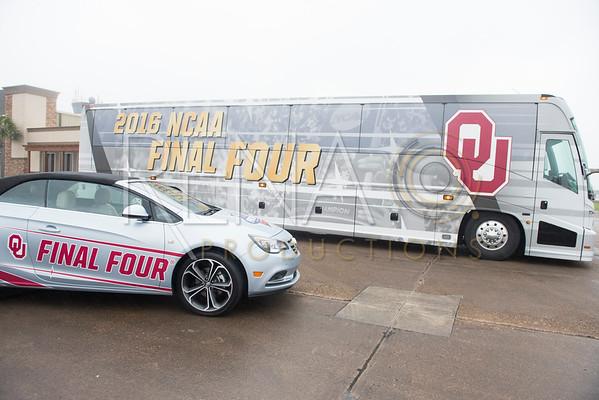 NCAA Final Four Team Arrivals