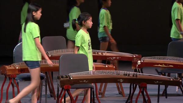 Guzheng (箏音繞樑)  Group 13