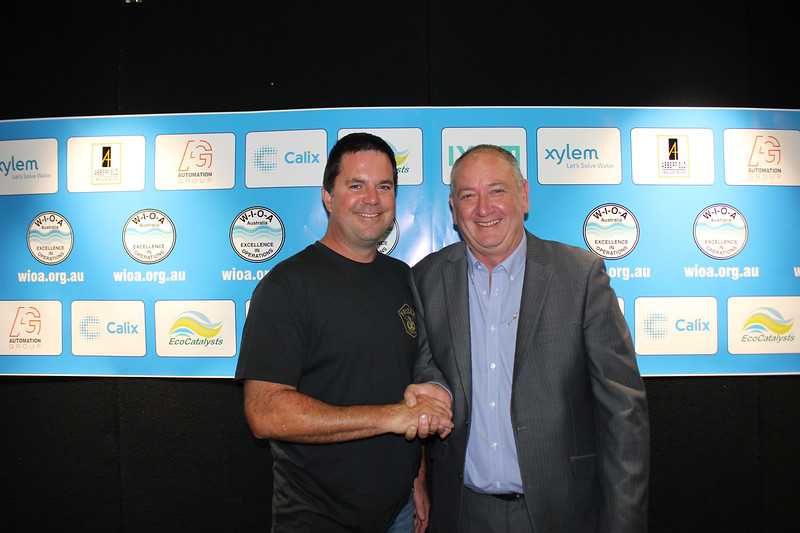Ecolab Prize for Best Paper by an Operator 2nd - Nathan Bakewell (L) from MidCoast Water with George Wall from WIOA