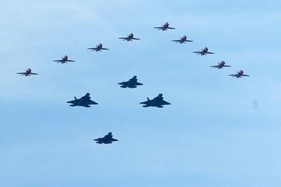 4 USAF Thunderbirds & 9 RAF Red Arrows
