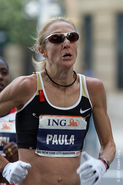 2007:  Women's champion Paula Radcliffe, with Gete Wami behind her.  The women ran neck to neck for most of the race.
