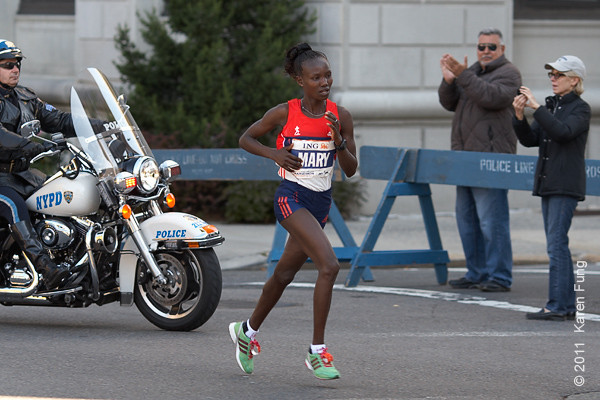 2011: Mary Keitany took an early lead, but lost her wind in the final stretch and came in 3rd.