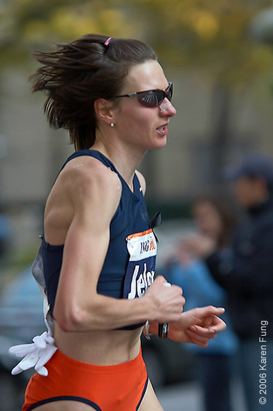 2006: Jelena Prokopcuka, the Women's champion for the second year in a row.