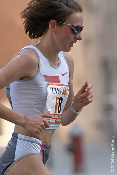 Jelena Prokopcuka during the 2004 Marathon.  She came in 5th that year.