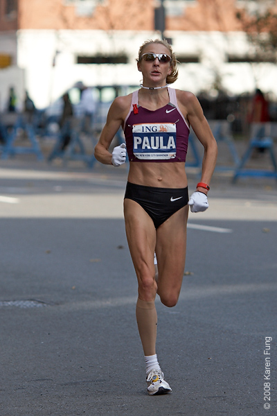 2008: Paula Radcliffe, Women's champion for the second year in a row.