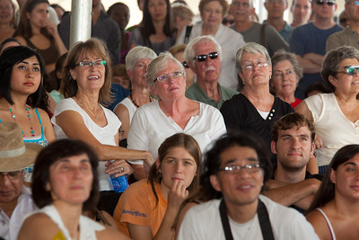 A large audience listens to Nobel laureate Orhan Pamuk speak at the National Book Festival. Setting a new attendance record, an estimated 150,000 book-lovers gathered on the National Mall in Washington, D.C for the 10th annual National Book Festival, organized and sponsored by the Library of Congress. Librarian of Congress James H. Billington and David M. Rubenstein, who this year gave the festival a $5 million gift, are co-chairs of the new National Book Festival Board. (Photo by Jeff Malet).