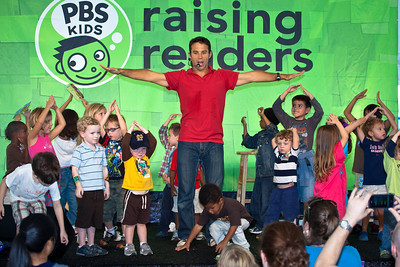 "Steve Songs at the PBS Pavillion.  Steve Roslonek of SteveSongs has been writing and performing his award-winning music for kids and families for the past eleven yearsIn May 2008, Steve took on the exciting new role of ""Mr. Steve,"" cohost of the PBS KIDS preschool destination that features the popular shows Curious George, Clifford the Big Red Dog, Dragon Tales, and Super Why. Steve performs original interactive songs that reinforce the day's curriculum theme.."