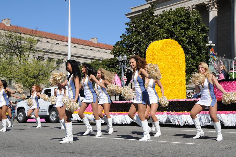 parade-0407