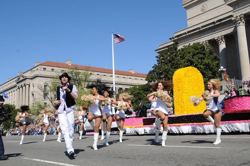 parade-0412