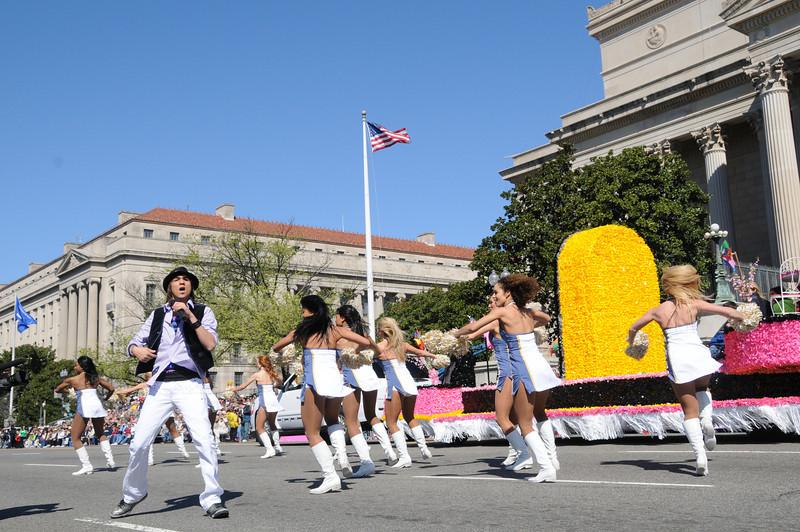 parade-0411
