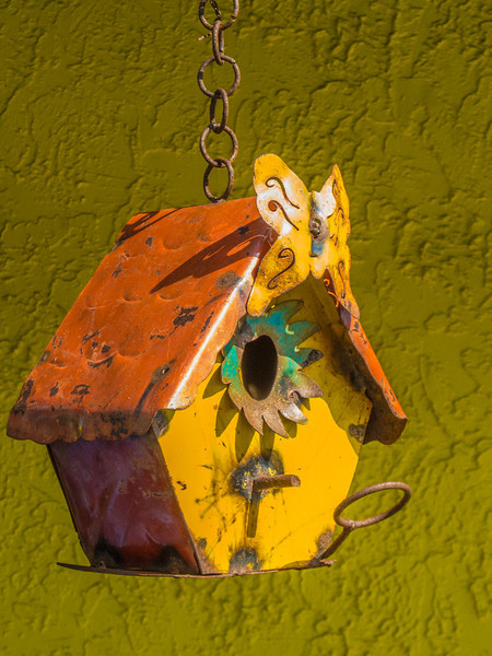 Do you think this metal bird house would attract any birds???