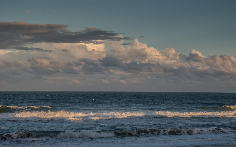 A cloudy day at the Atlanta Ocean in wonderful Indialantic Florida<br /> Storm rolling in? I think not!