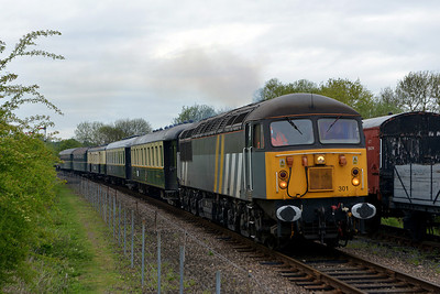 Class 56 No 56301 at Wansford on 18 May 2013 with the 2E42 08:15 Wansford - Peterborough