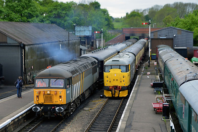 Class 56 No 56301 and Class 31 No 31108 in Wansford Station on 18 May 2013