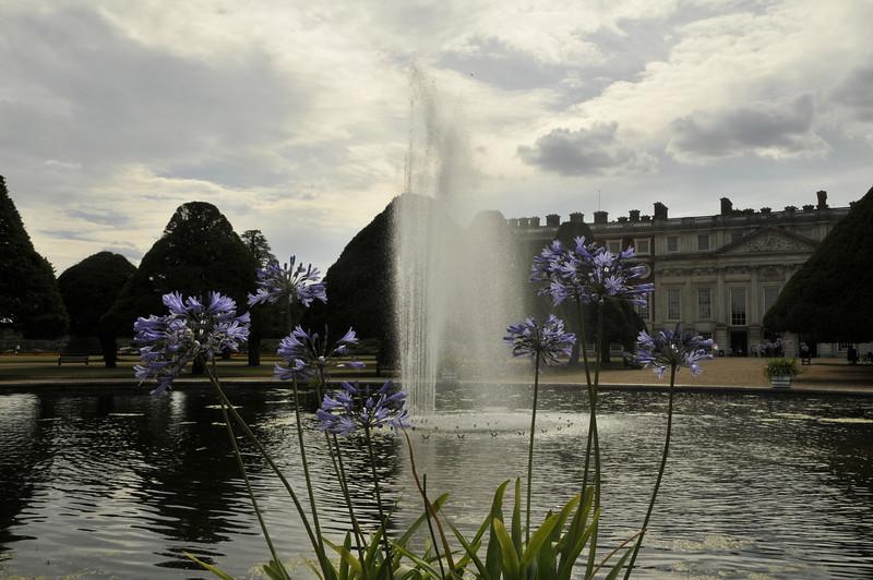 Hampton Palace Fountain