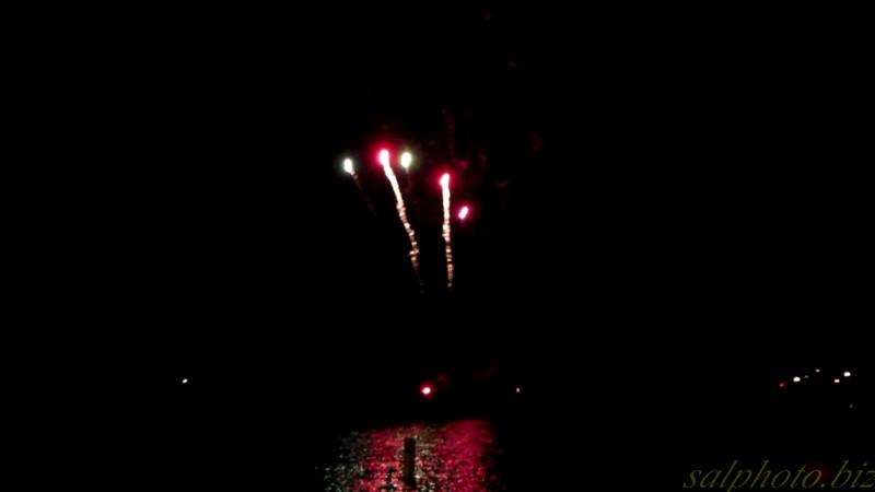 "New London Water Days Fireworks Show Pt 1 of 2<br /> <a href=""https://youtu.be/tlbKj2xXsWA"">https://youtu.be/tlbKj2xXsWA</a>"