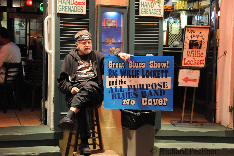 """Funky Pirate Blues Club featuring the """"Hand Grenade"""", supposedely the strongest drink on the street."""