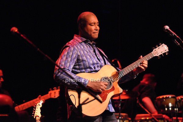Bernie Williams<br /> photo by Rob Rich/SocietyAllure.com © 2013 robwayne1@aol.com 516-676-3939