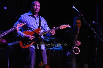Bernie Williams photo by Rob Rich/SocietyAllure.com © 2013 robwayne1@aol.com 516-676-3939
