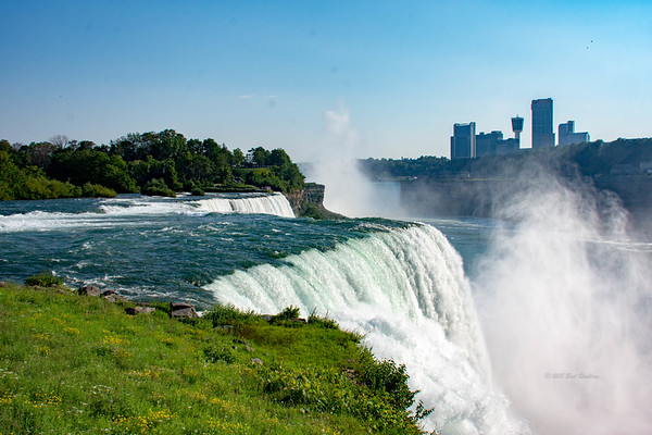 Niagra Falls photographer by Bret Roebing