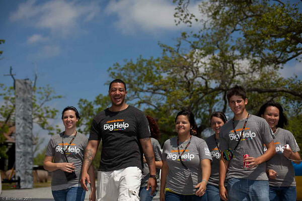 Nickelodeon's Own Anthony leading CHS group out to plant with Chris Paul.