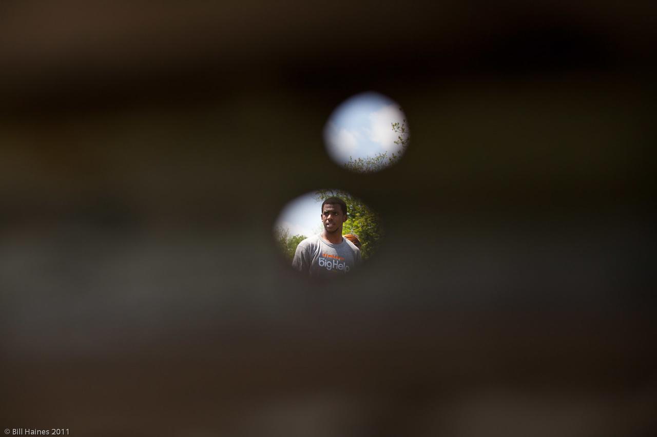 Peeping through hole in barn @ CP3