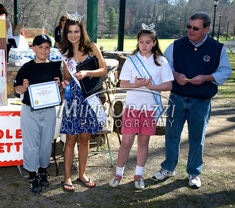 4/25/2009 Mike Orazzi | Staff Miss Bristol 2009 Nicole Paquette (second from left) with Eric Gaudreau,9, first place essay winner before the start of a 2 mile walk to raise funds for the Children's Miracle Network held in Rockwell Park on Saturday morning. Third from the left is Miss Connecticut Diamond Trinette Robinson and Bristol Mayor Art Ward.