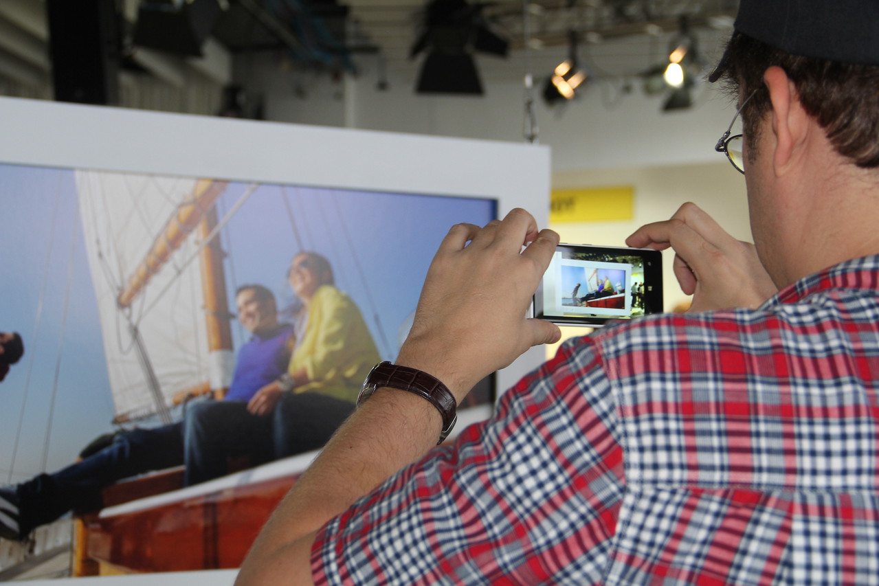 The Nokia Lumia 1020: Perfect for sailing? (In yellow windbreakers, of course).