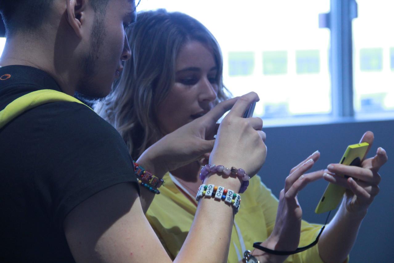 A Nokia representative gives a Lumia 1020 tutorial.