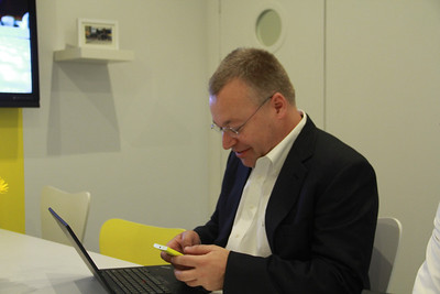 Nokia CEO Stephen Elop tweets from a private room exactly 41 minutes before the event begins, another nod to the phone's 41-megapixel camera.