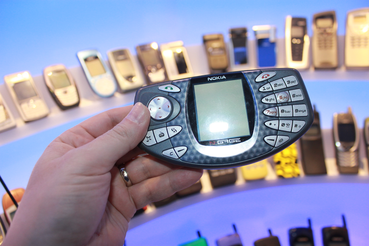 Another of the N-Gage series of gaming phones.