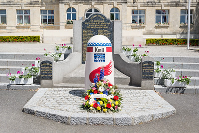Monument in front of the town hall.  This marks Km 0 of the Liberty Road (more information in the caption below).