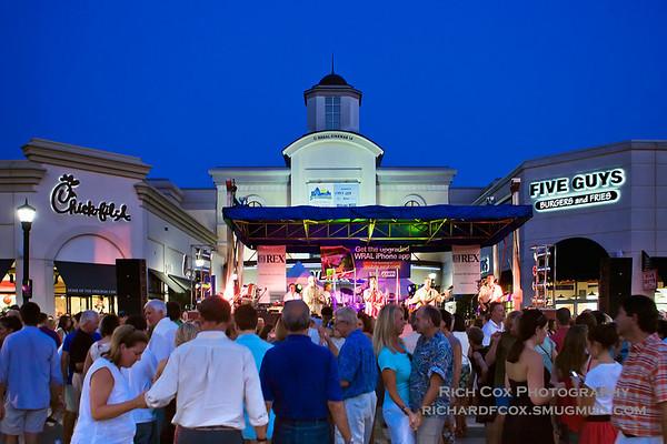 North Hills Mall Beach Music 8-26-10