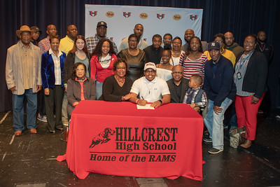 Signing day 20190206_050