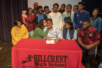 Signing day 20190206_071
