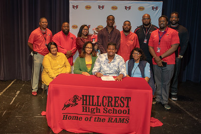 Signing day 20190206_076
